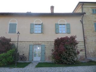 Monferrato: ancient apartment in old farmhouse - Grazzano Badoglio vacation rentals