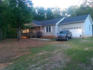 Midnite House Appomattox Va. - Virginia vacation rentals