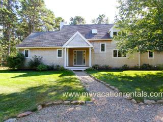 REIDK - Meadow View Beauty - Association Tennis, Miles of Bike Paths, 5 Min Drive to Town and Beach, Wifi - Vineyard Haven vacation rentals