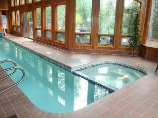 Impressive Sunriver Home with Private Pool and Bonus Room Near Fort Rock Park - Central Oregon vacation rentals