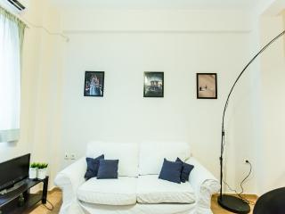 Studio at Zografou, Manou Katraki - Athens vacation rentals
