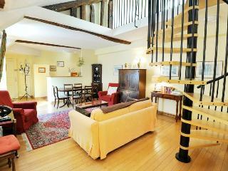 Classic SHAKESPEARE & Co ***+ - Paris vacation rentals