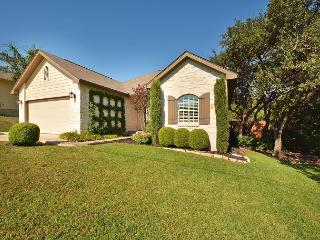 4BR/2BA Beautiful Cottage at Lake Austin, Sleeps 8-10 - Lago Vista vacation rentals