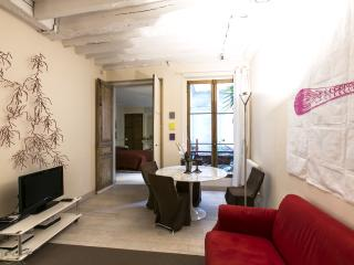 Lombards - 2733 - Paris - 1st Arrondissement Louvre vacation rentals