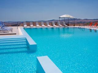 FARMHOUSE MEDITERRANEO: Sicilian farmhouse with pr - Petralia Soprana vacation rentals