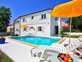 Apartment Bella, Ližnjan - Istria - Liznjan vacation rentals
