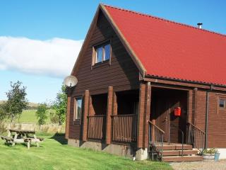 Lovely Lodge in Biggar with Satellite Or Cable TV, sleeps 8 - Biggar vacation rentals