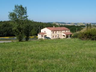 Gites des Camparros : Gite du Moulin - Nailloux vacation rentals