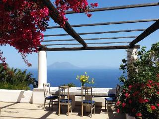 Lovely 4 bedroom Villa in Aeolian Islands with Hot Tub - Aeolian Islands vacation rentals