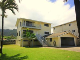 Pineapple Hale - 4br home w/ balcony, near beach - Laie vacation rentals