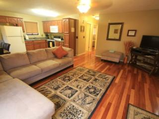 Pineapple Bungalow = 2br unit w/ balcony, near beach - North Shore vacation rentals