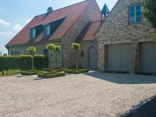 Bright 5 bedroom Ypres Chateau with Internet Access - Ypres vacation rentals