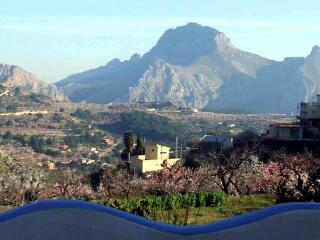 Beautiful village house with panoramic views of the mountains - Valencia Province vacation rentals