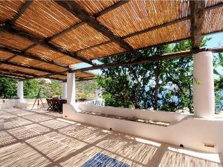 Comfortable Aeolian Islands vacation Villa with Washing Machine - Aeolian Islands vacation rentals
