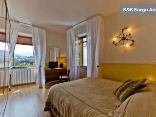 B&B  Borgo  Antico, location tranquilla - Cava De' Tirreni vacation rentals