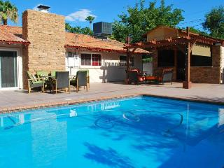 Palermo Home  PRIVATE SWIMMING POOL WITHIN MINUTES - Las Vegas vacation rentals