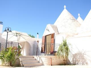Il Calàscione Apulian Villas - Locorotondo vacation rentals