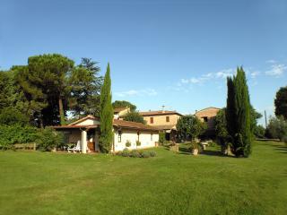 Agriturismo Il Sole Verde App. La Colonica - Bucine vacation rentals