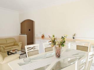 Elegante appartamento climatizzato - Realmonte vacation rentals