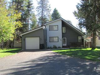 Peaceful Cabin located on the MCCall Golf Course with Private Hot tub! - McCall vacation rentals