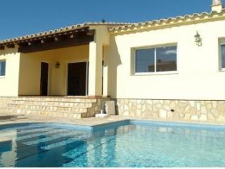 Cozy 3 bedroom House in L'Ametlla de Mar - L'Ametlla de Mar vacation rentals