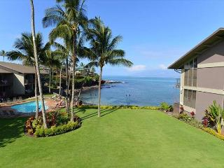 Oceanfront Honokeana Cove! Beautifully Refurbished 1br+Loft br 2 bath unit - Lahaina vacation rentals