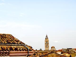 """Casa vacanza """"AL CASTELLO"""" - Potenza vacation rentals"""