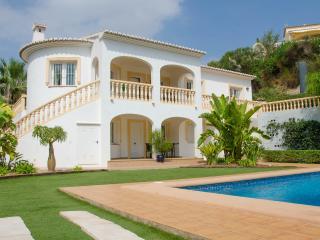 Casa Sonrisa-A quality villa by ResortSelector - Calpe vacation rentals