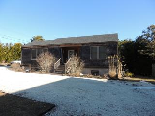 2 Bedroom 2 Bathroom Vacation Rental in Nantucket that sleeps 4 -(9991) - Nantucket vacation rentals