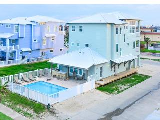 Bella Vista, BEACHFRONT, 7 bdrms, Gulf Views, Games, PRIVATE POOL, sleeps 16 - Port Aransas vacation rentals