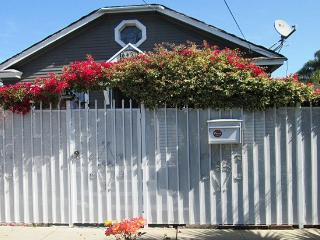 Charming and Historic 1918 Hollywood Bungalow - Hollywood vacation rentals