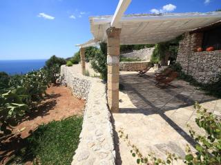 Comfortable House with Television and A/C - Gagliano del Capo vacation rentals