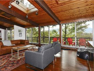 Perfect 5 bedroom Stowe House with Deck - Stowe vacation rentals