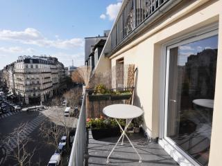 Classic BALCONY WITH A VIEW ( A true love nest ) - Paris vacation rentals