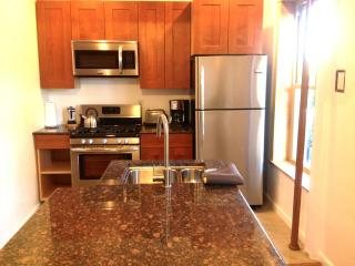 2 BEDS w/ LOFT LIKE APT: free Wifi & Direct Tv - Los Angeles vacation rentals