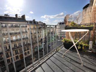 Classic PAULINE BALCONY PARIS ( 6 arr ) - Paris vacation rentals