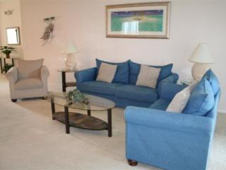 4 Bedroom 3 Bathroom Villa in Gated Community. 329SPL - Orlando vacation rentals