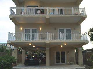 $5,600 MONTHLY RENTAL ! WATER FRONT,ELEVATOR, WIFI - Key Largo vacation rentals