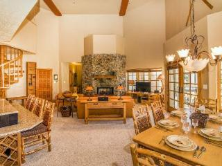 Rustic condo Westermere 410 has great mountain views & easy ski access - Mountain Village vacation rentals