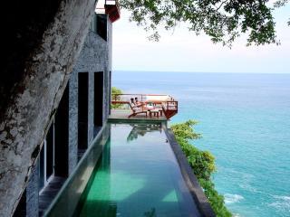 Villa Shamcey - 5 bedroom Seafront villa in Surin - Bang Tao Beach vacation rentals