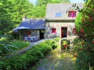 Cozy 2 bedroom Watermill in Landerneau - Landerneau vacation rentals