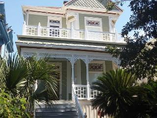 Mardi Gras Route, 2 Stories, 4 BR, 2.5 BA, 1 Car Garage - Galveston vacation rentals