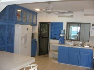 Beachfront Villa 3 Bedroom in Cancun with Pool! - Cancun vacation rentals