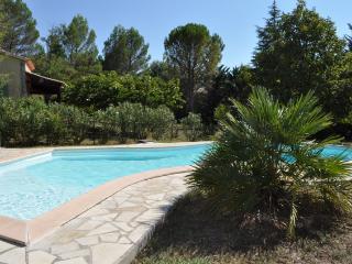 Villa with private garden & pool in a quiet area - Cotignac vacation rentals