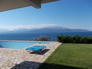 Cozy 2 bedroom Villa in Nafpaktos with Internet Access - Nafpaktos vacation rentals