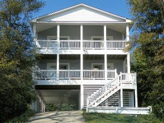 Adorable 4 bedroom House in Kill Devil Hills with Deck - Kill Devil Hills vacation rentals