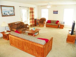 Bright 4 bedroom Kill Devil Hills House with Deck - Kill Devil Hills vacation rentals