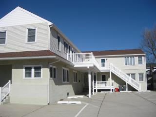 Nice clean bayside condo - Wildwood Crest vacation rentals