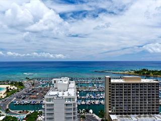 1-bedroom with full kitchen, marina view, washer/dryer, AC, WiFi and parking! - Honolulu vacation rentals