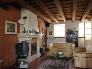 Nice Bed and Breakfast with Internet Access and Central Heating - Valeggio Sul Mincio vacation rentals